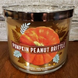 ath & Body Works Candle • Pumpkin Peanut Brittle